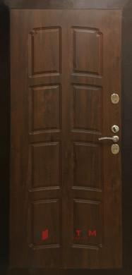 Входная дверь Страж грецкий орех